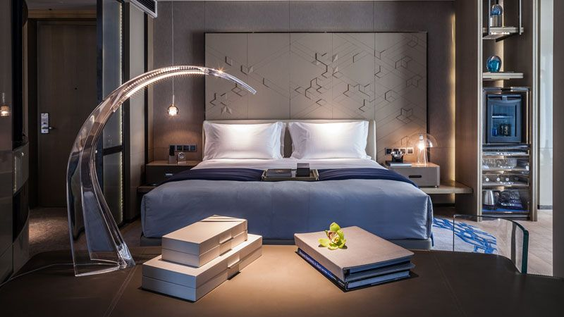 27 photos inside the new intercontinental beijing sanlitun hotel in china - Glass Sheet Hotel Decorating
