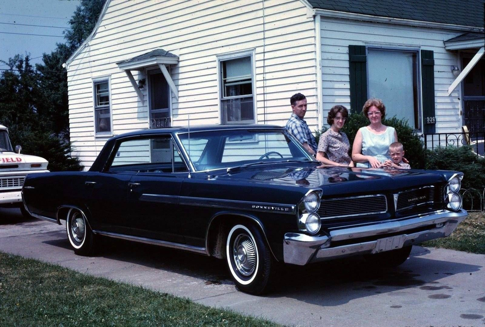 Family With Their New Pontiac Bonneville In Erie 1963 Pontiac Bonneville Bonneville Pontiac
