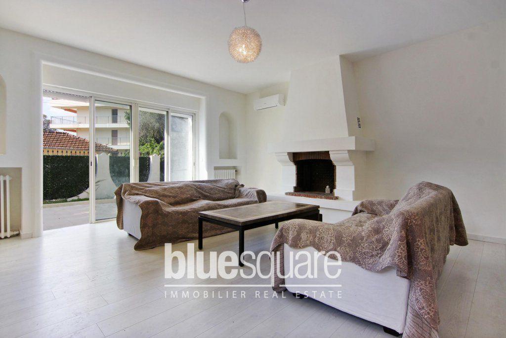 A vendre à Cannes, superbe villa sur un jardin de 450m2 avec - chauffage d appoint pour appartement