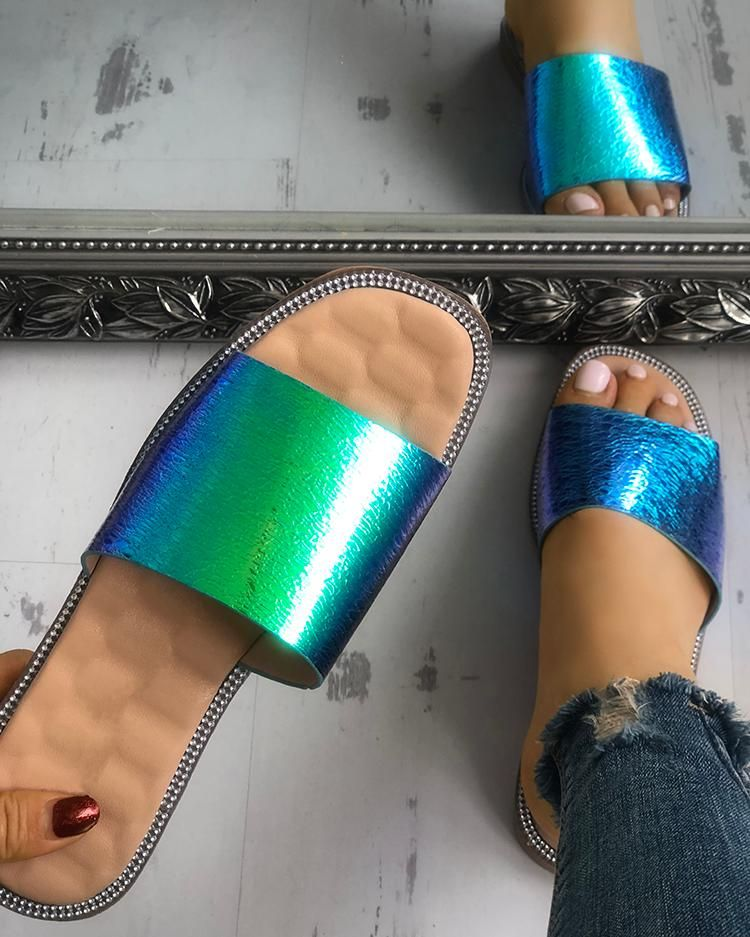 Smooth Shiny Single Strap Open Toe Slippers Smooth Shiny Single Strap Open Toe Slippers  Price  2699 Free Shipping  30 days Easy Return