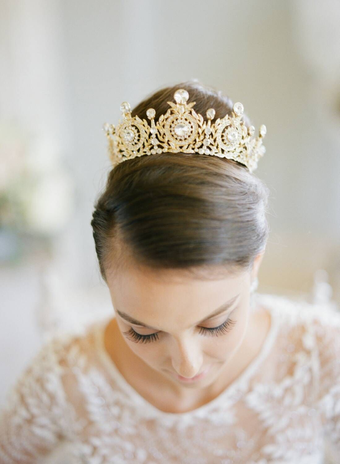 Crowning Glory The Return Of Bridal Tiara