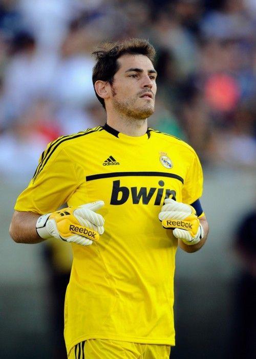 Iker Casillas  0307059359aa0