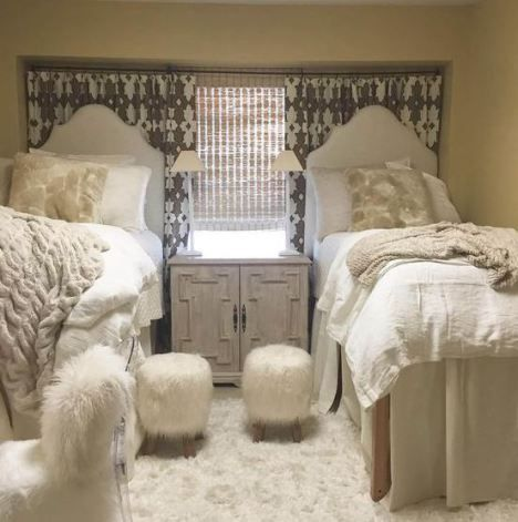 21 Dorm Bedding Ideas By Color Girls Dorm Room Dorm Room