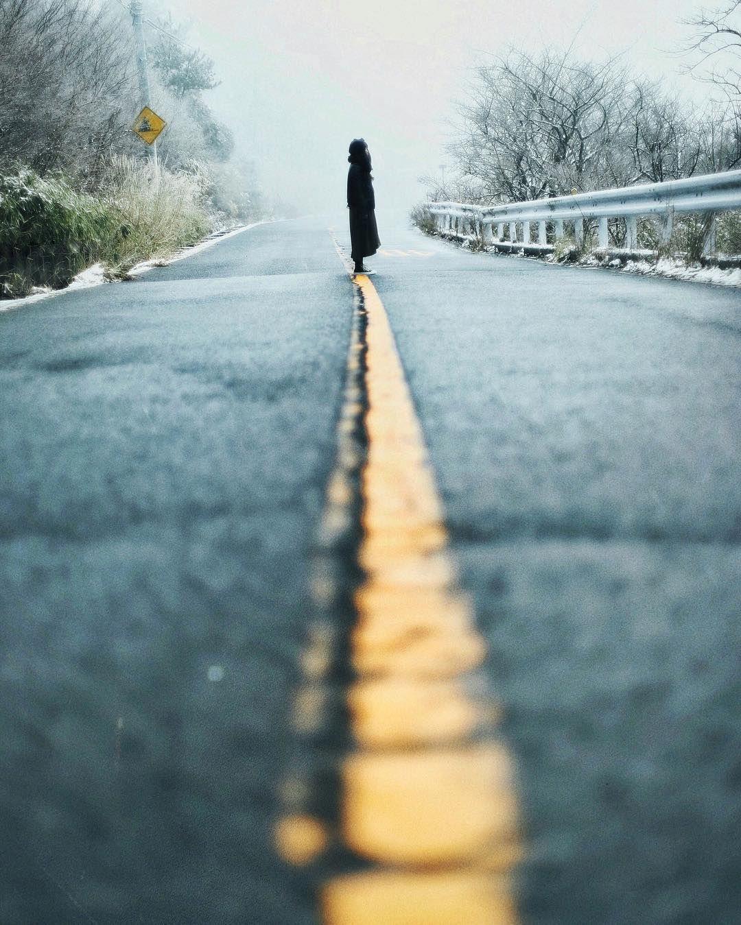 . ローアングルで迫力を出すことにより 道の奥行きの短さをカバーし...#黙れ . . . by ig_nobu