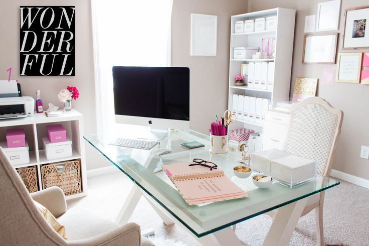 We Have Selected The Pretties Desk Decor The Best Home Office Ideas For Bloggers And Girl Bosses Home Office Decor Home Office Space Home Office Design