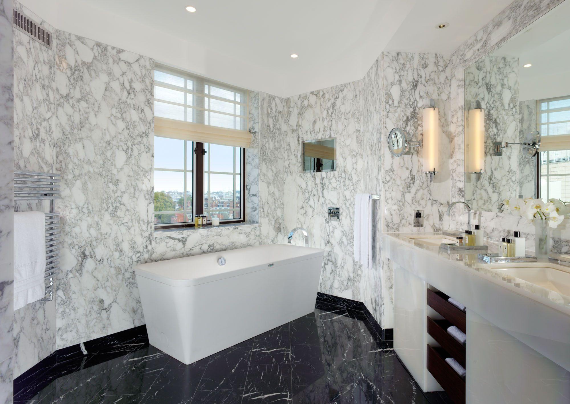 Luxury Hotel Bathrooms Interior Design