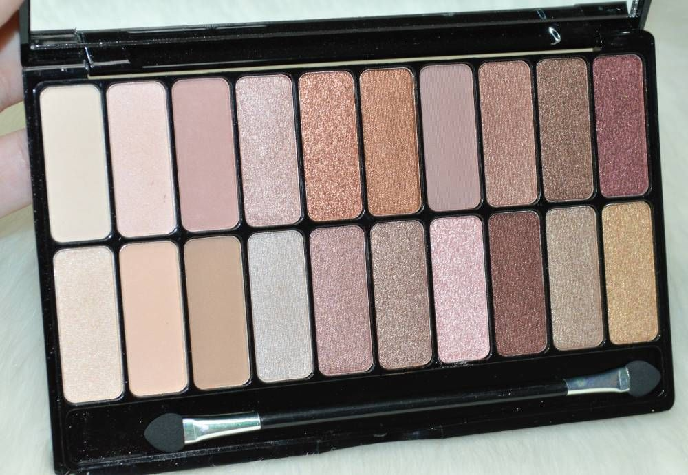 Freedom Pro Decadence Magic Eyeshadow Palette Review