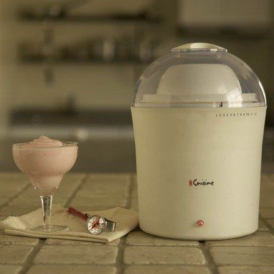 2 Qt Yogurt Maker By Euro Cuisine 4999 737770002605 Features