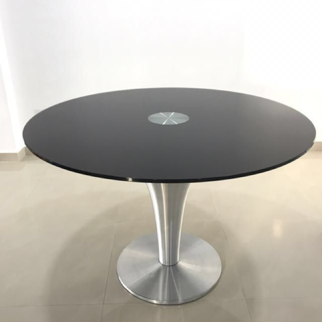 Good Quality Mondi Designer Dining Table.  Well Suited For A Small Family