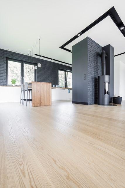 Prawie 200 m kw drewnianej, dębowej podłogi Scheucher Parkett LHD - Parkett In Der Küche