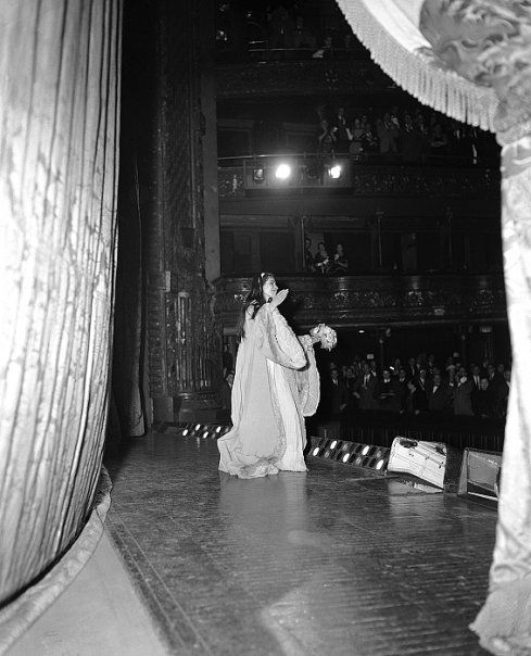 Curtain Calls For Callas Performance In La Traviata At The Old MET New York 1958