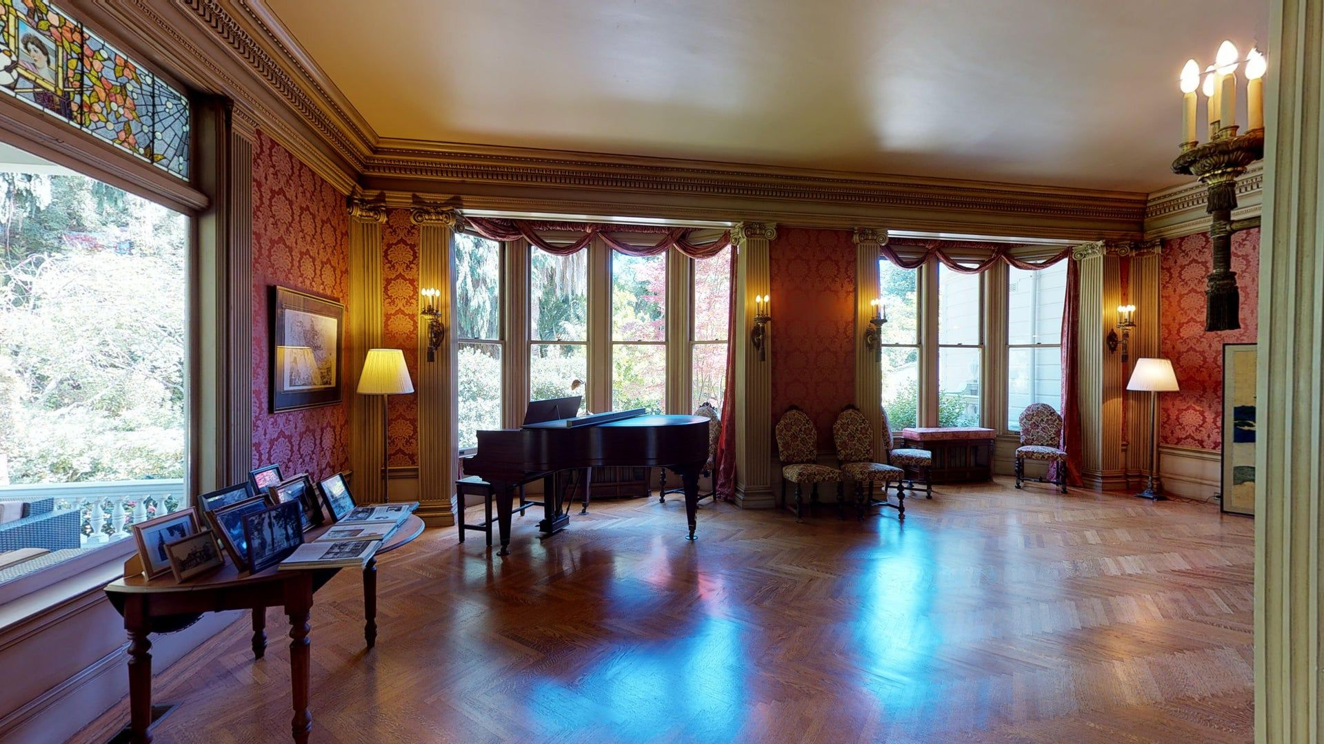 Explore Victorian Tudor Mansion (Pro2) in 3D in 2020