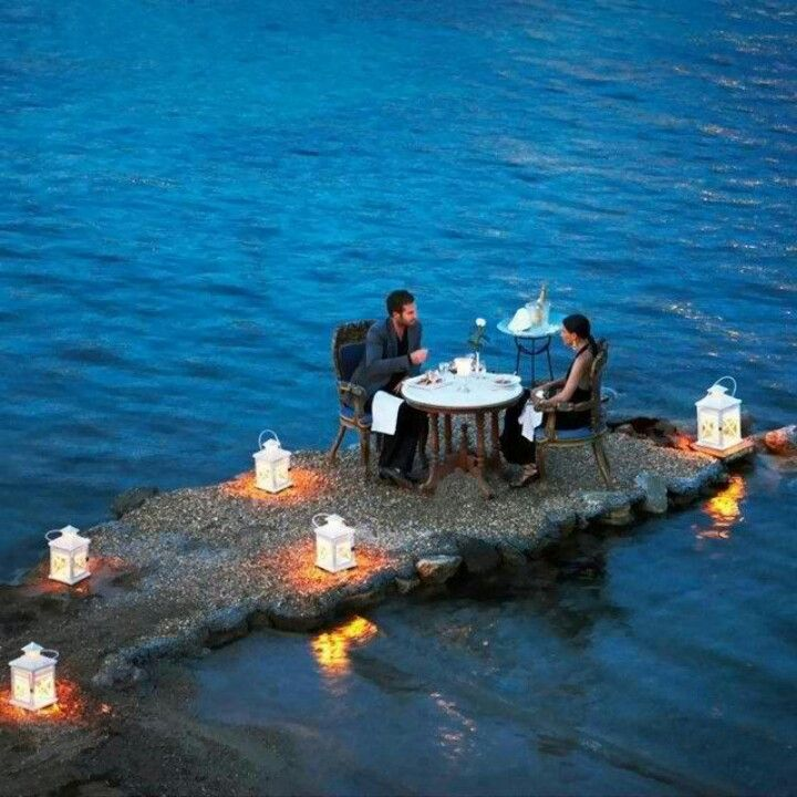 Cena romántica #travel #places #beautiful #cute #cool #trip #holidays #vacation #sea #see #pictureoftheday #backpackers #amazing #viajar #viajes #viatges #lugares #romantico #romantic #night #noche
