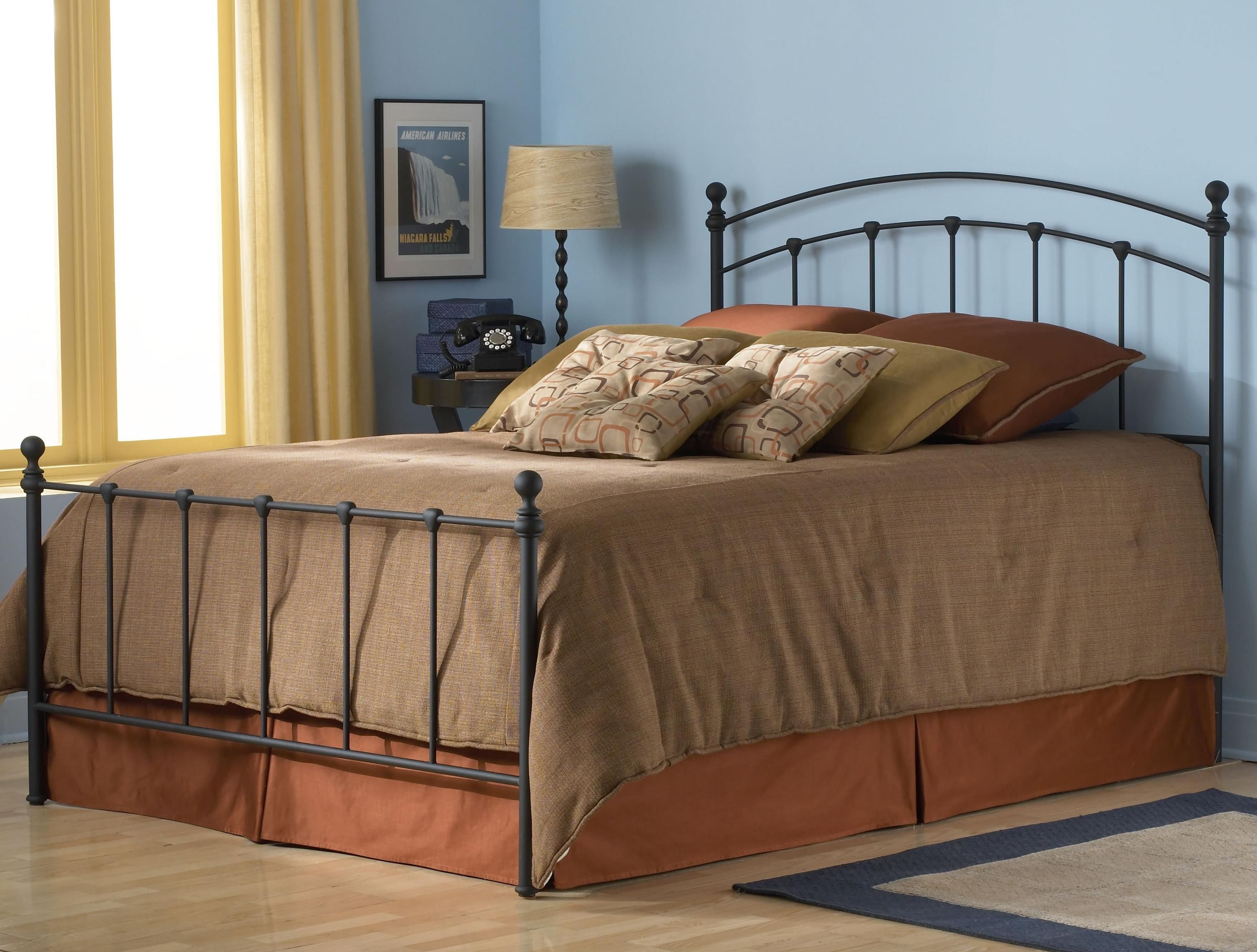 Metal Beds Queen Sanford Bed w/ Frame by Fashion Bed Group