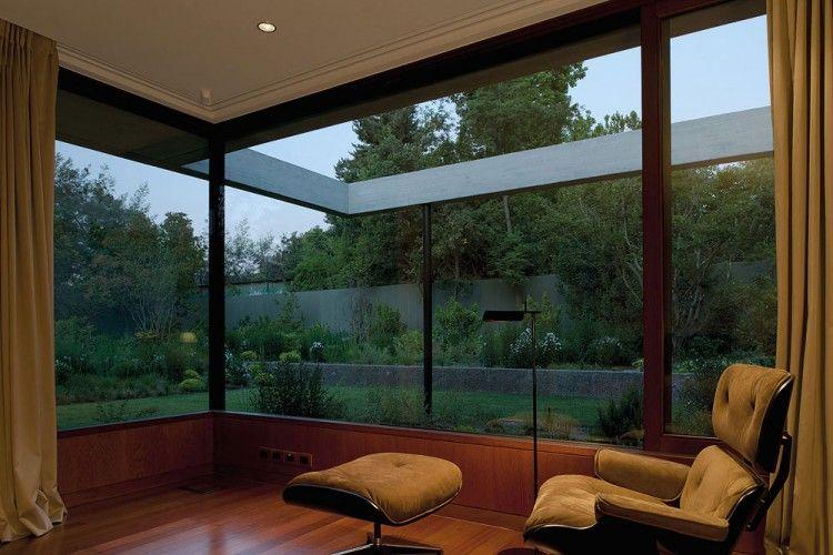 Fray León Casa en un 57 Studio | HomeDSGN, una fuente diaria de inspiración y nuevas ideas sobre el diseño de interiores y decoración del hogar.