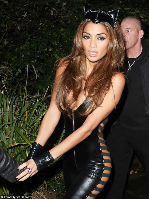 Nicole Scherzinger Halloween Costume.Nicole Scherzinger Shares Halloween Flashback Photo Nicole