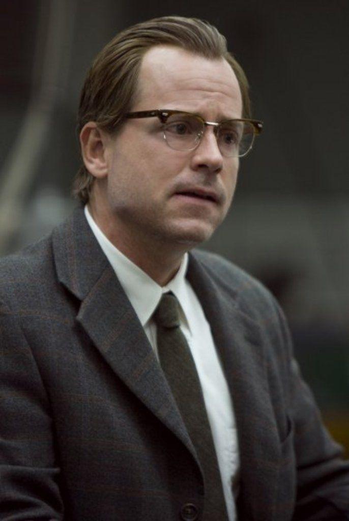 Robert Kearns (Greg Kinnear) Flash of Genius (2008) Abogados - presumed innocent 1990