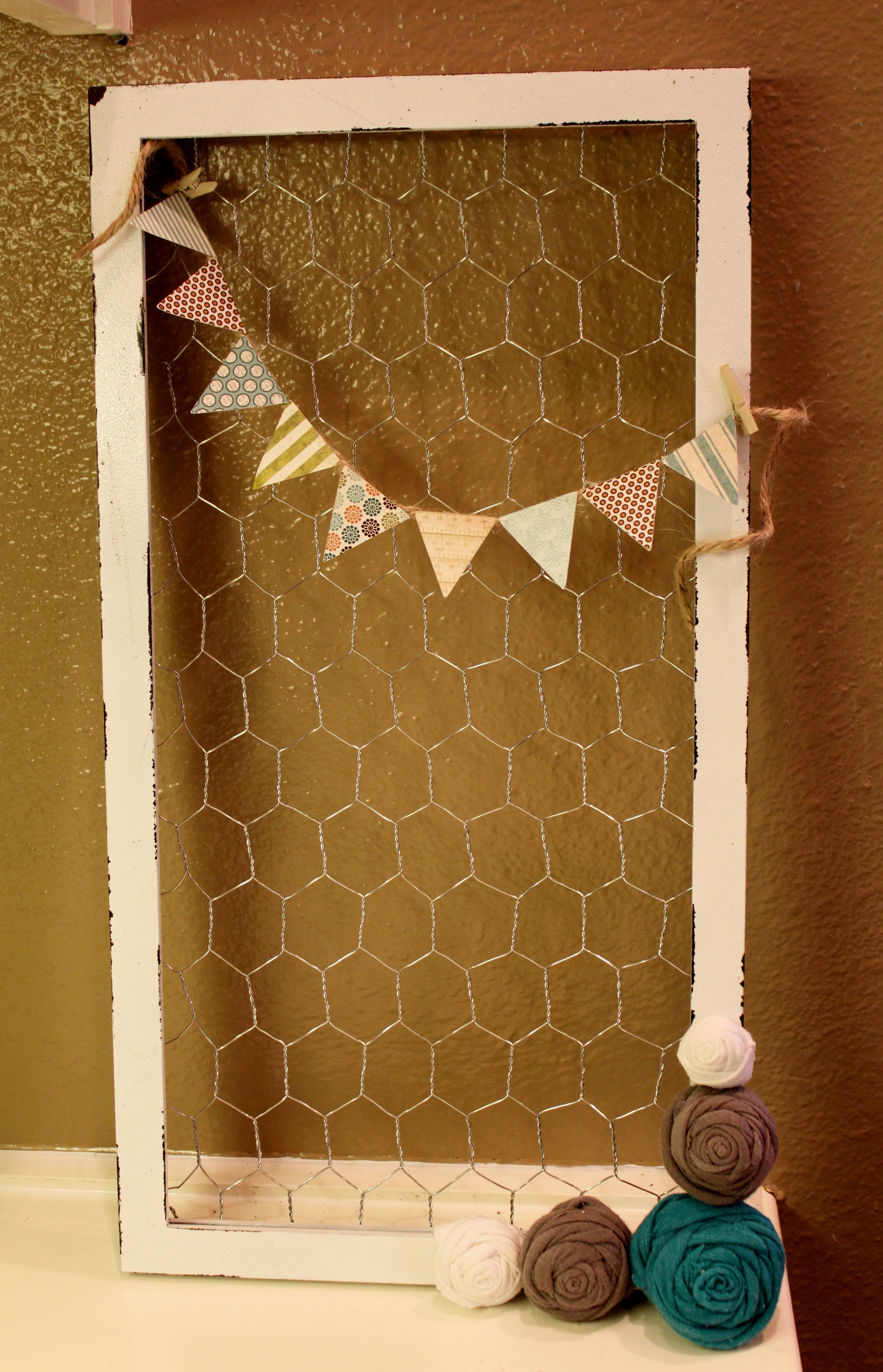 Chicken Wire Frame Message Board - I\'m in love with Chicken Wire ...