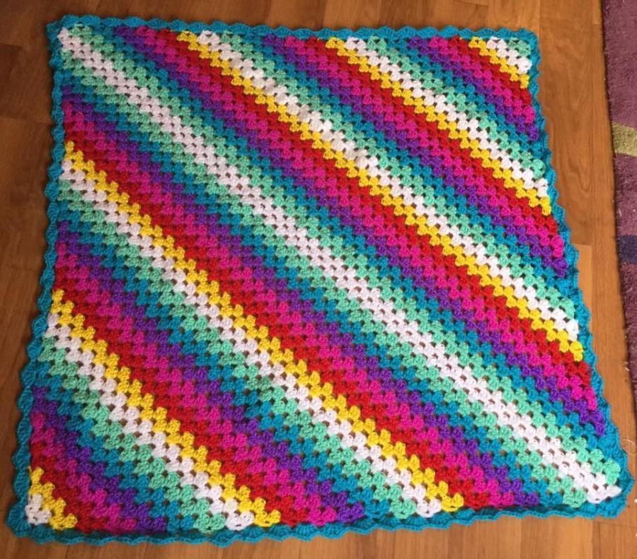 Granny Square Knitting Pattern : Corner to granny square blanket crochet creation