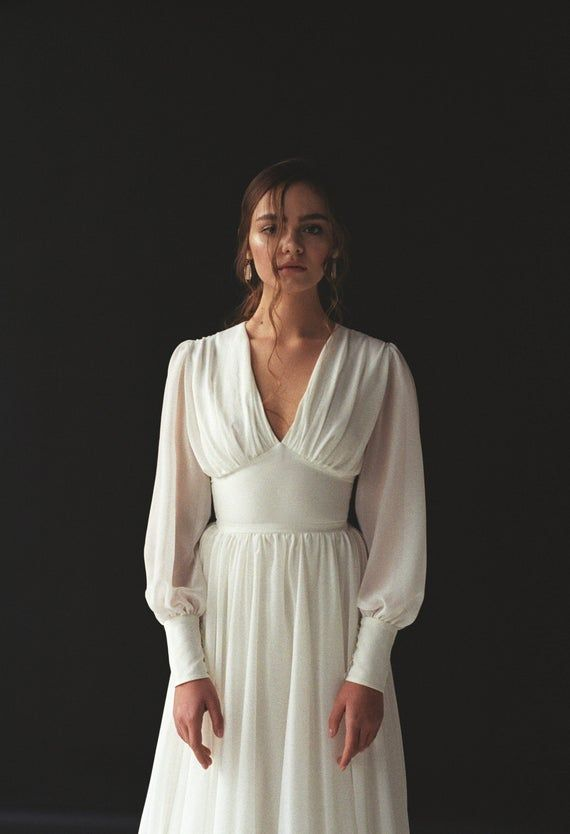 Robe de mariée à manches longues Boho robe de mariée à manches Dapens Boho V-cou robe de mariée Chiffon robe de mariée moderne robe minimaliste THEIA