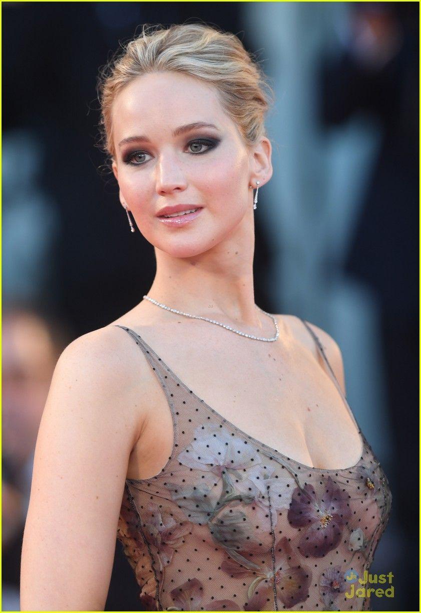 Jennifer Lawrence Mother Venice Fairytale Looks 01 Jennifer