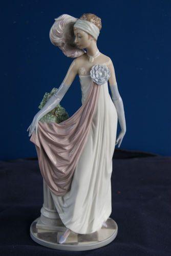 Rare Large Lladro Figure Art Deco Elegant Lady Lladro
