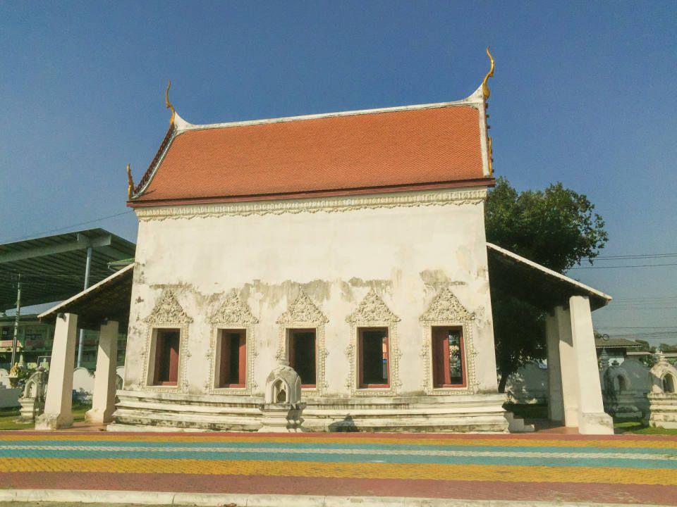 Old Temple Hall - Wat Ku