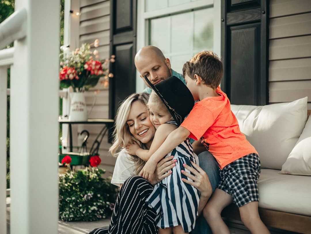 Cute Family Photos Family Photo Poses Front Porch Ideas Family