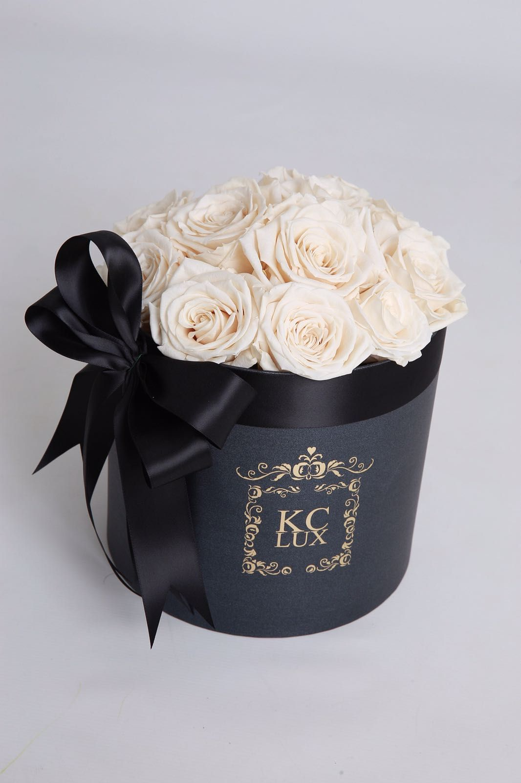 Champagne cream colour in the real roses that last up to a