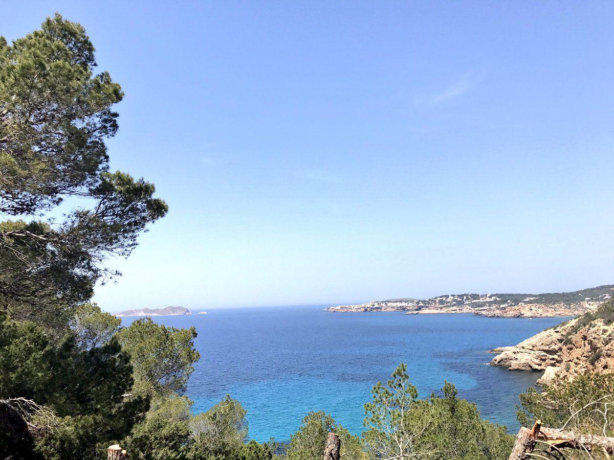 Bicicletta, trekking, maratona e triathlon sono solo alcune delle attrazioni sportive disponibili nelle quattro isole dell'arcipelago. Maiorca, Minorca, Ibiza e Formentera sono mete ideali per gli amanti del turismo attivo e dello sport, per...