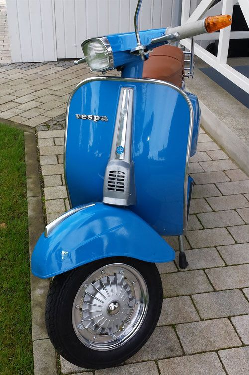 vespa v50 spezial azzurro cina 402 vespa pinterest vespa scooters and vespas. Black Bedroom Furniture Sets. Home Design Ideas