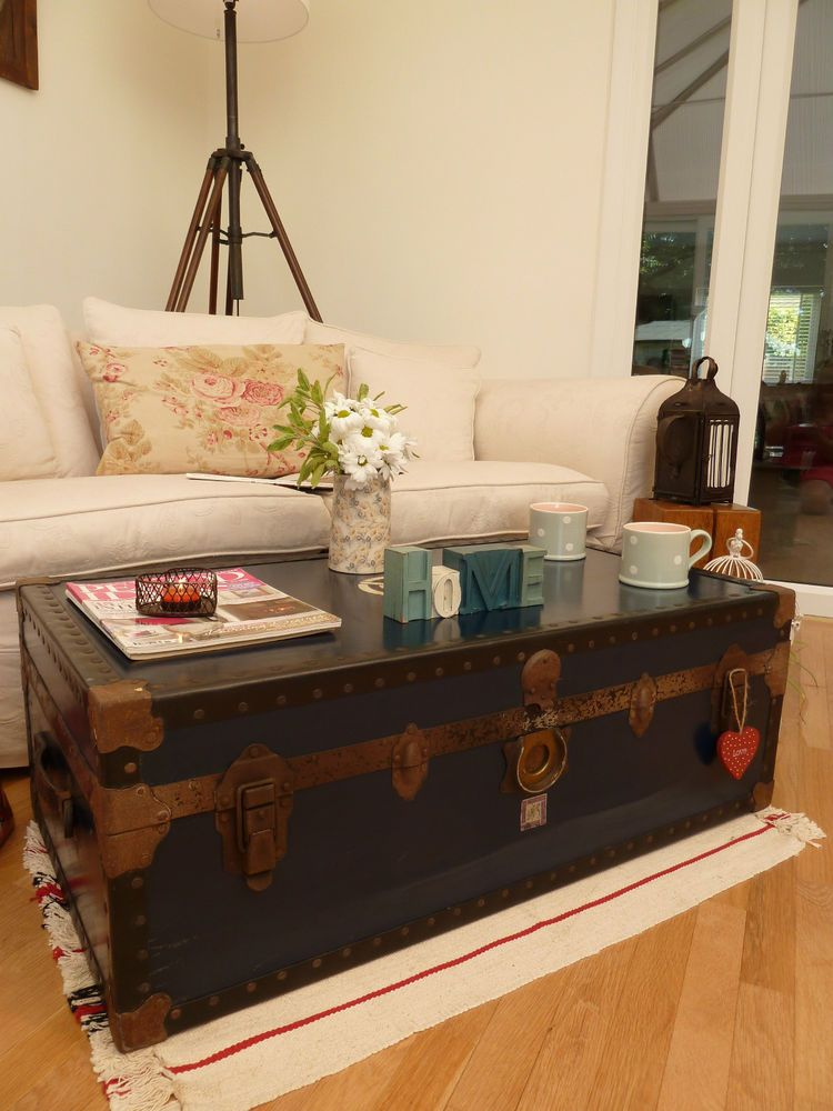 VINTAGE RETRO STEAMER TRUNK OLD LUGGAGE QUIRKY COFFEE TABLE BLANKET STORAGE  BOX