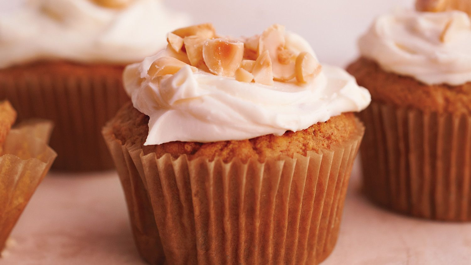 Hazelnut carrotoat cupcakes with creamcheese frosting