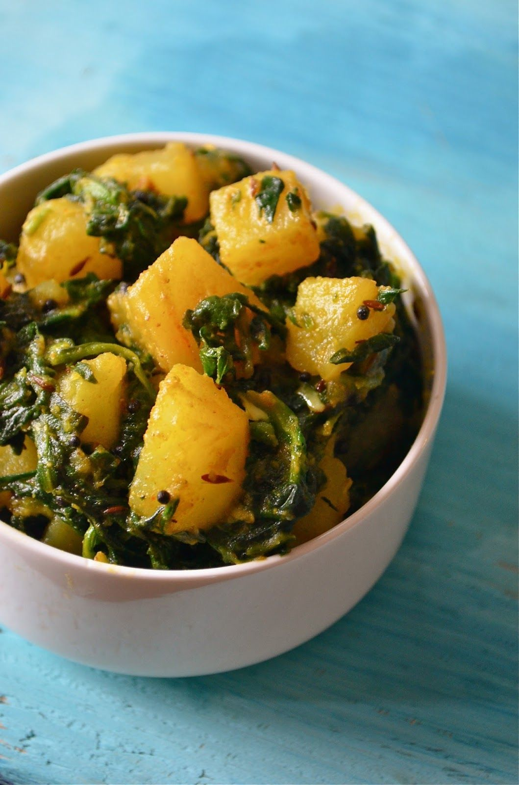 Stir fried potato and spinach aaloo palak fried potatoes stir aaloo palak spinach potato stirfried potato and spinach no onion garlic recipes forumfinder Images