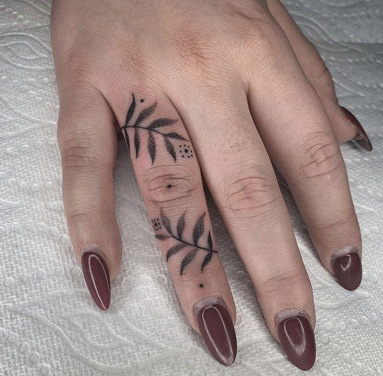 42+ Amazing Unique female hand tattoos ideas