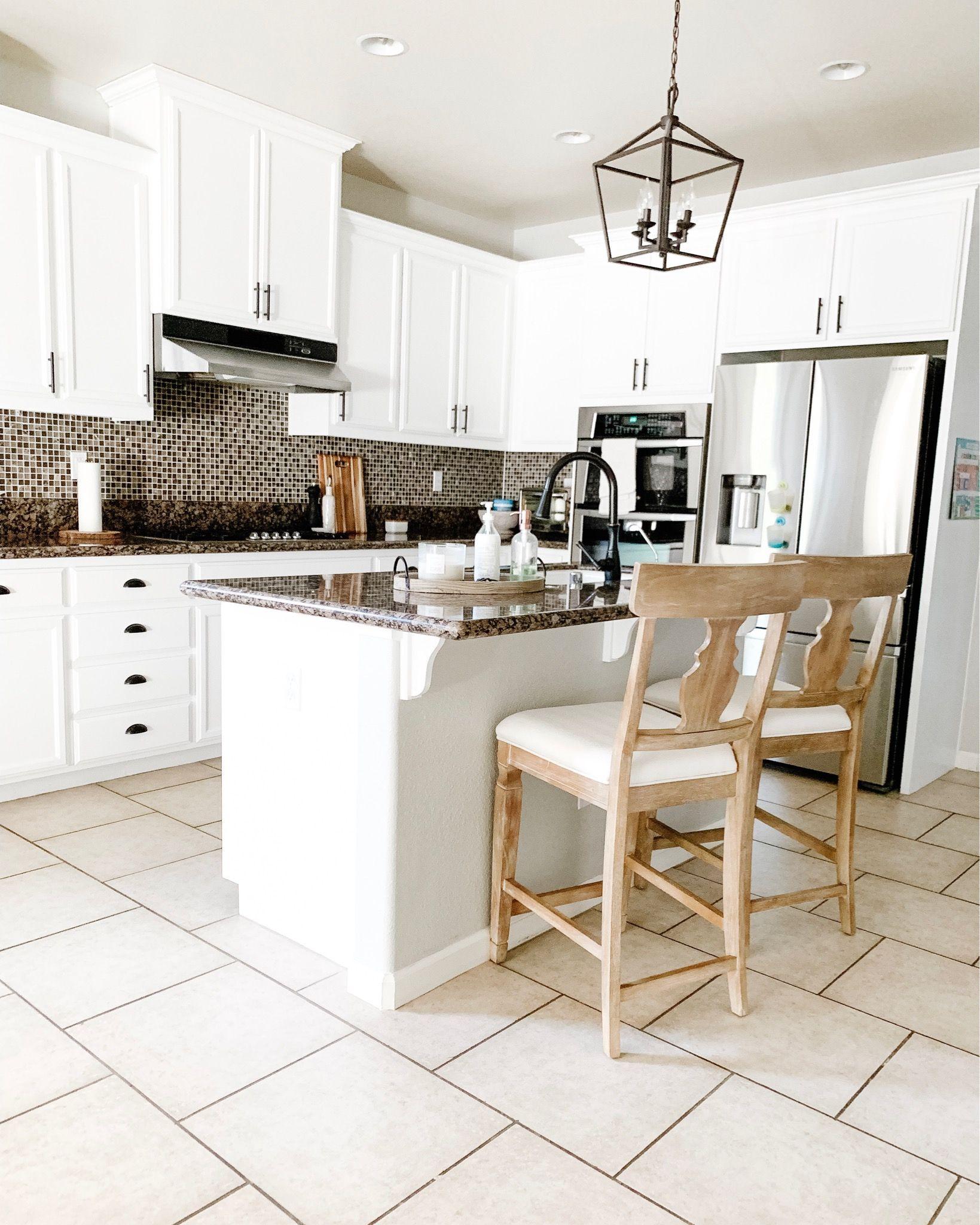 Best Farmhouse Style Kitchen White Painted Kitchen Cabinets 400 x 300