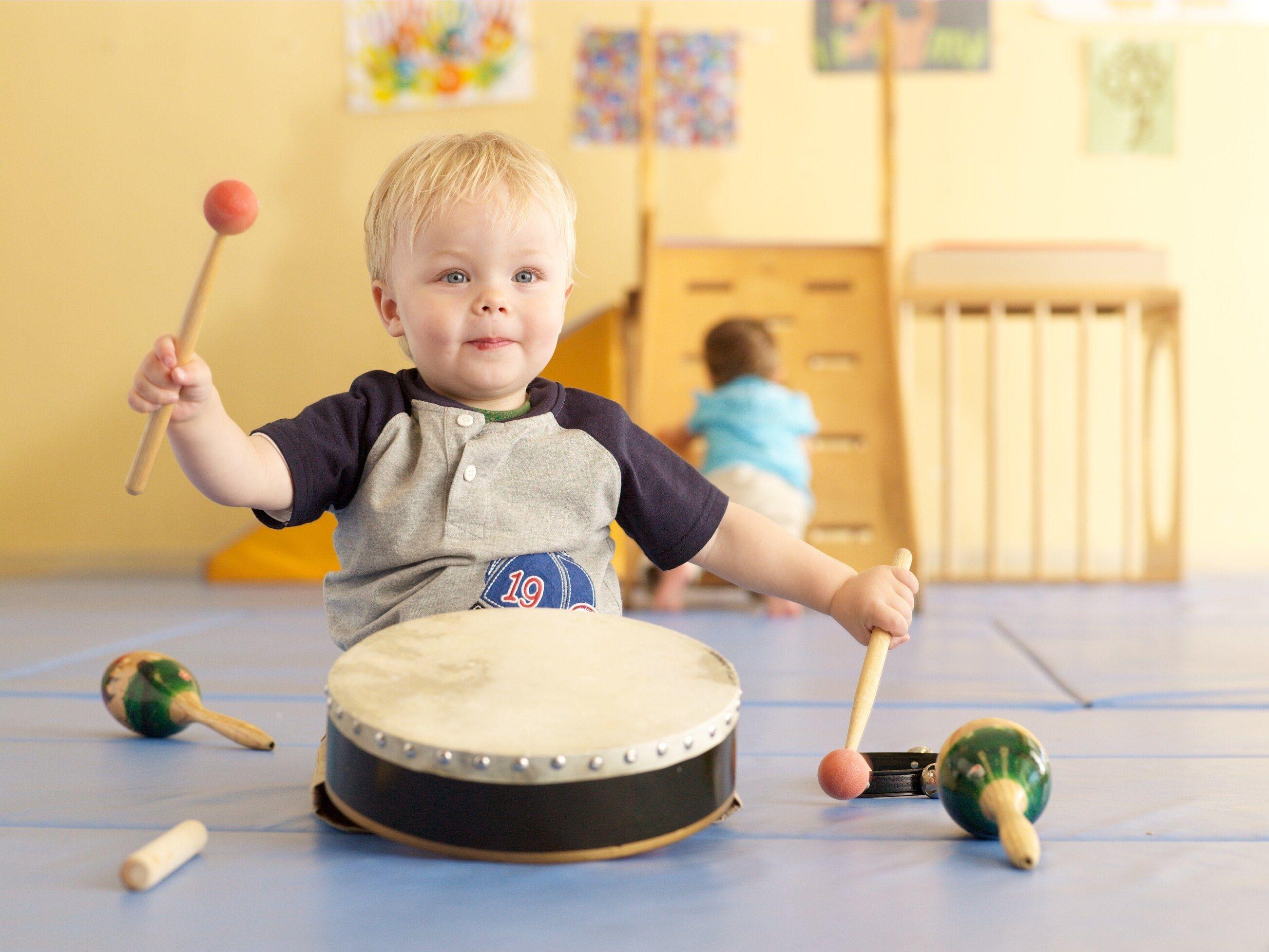 Qué instrumento toca tu hijo (a) ?