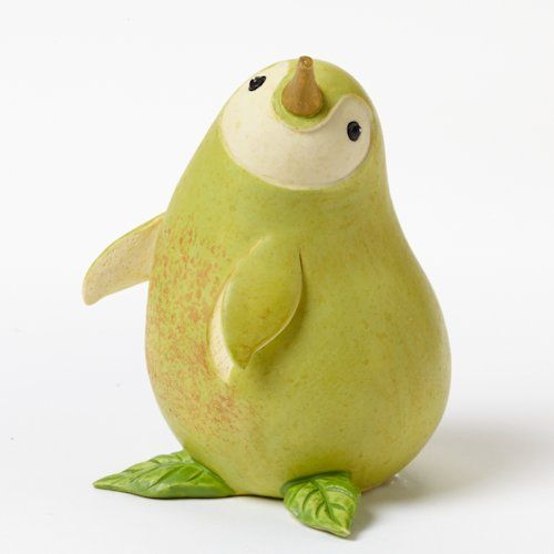 Home grown veggie animal figurine pear penguin jedlo