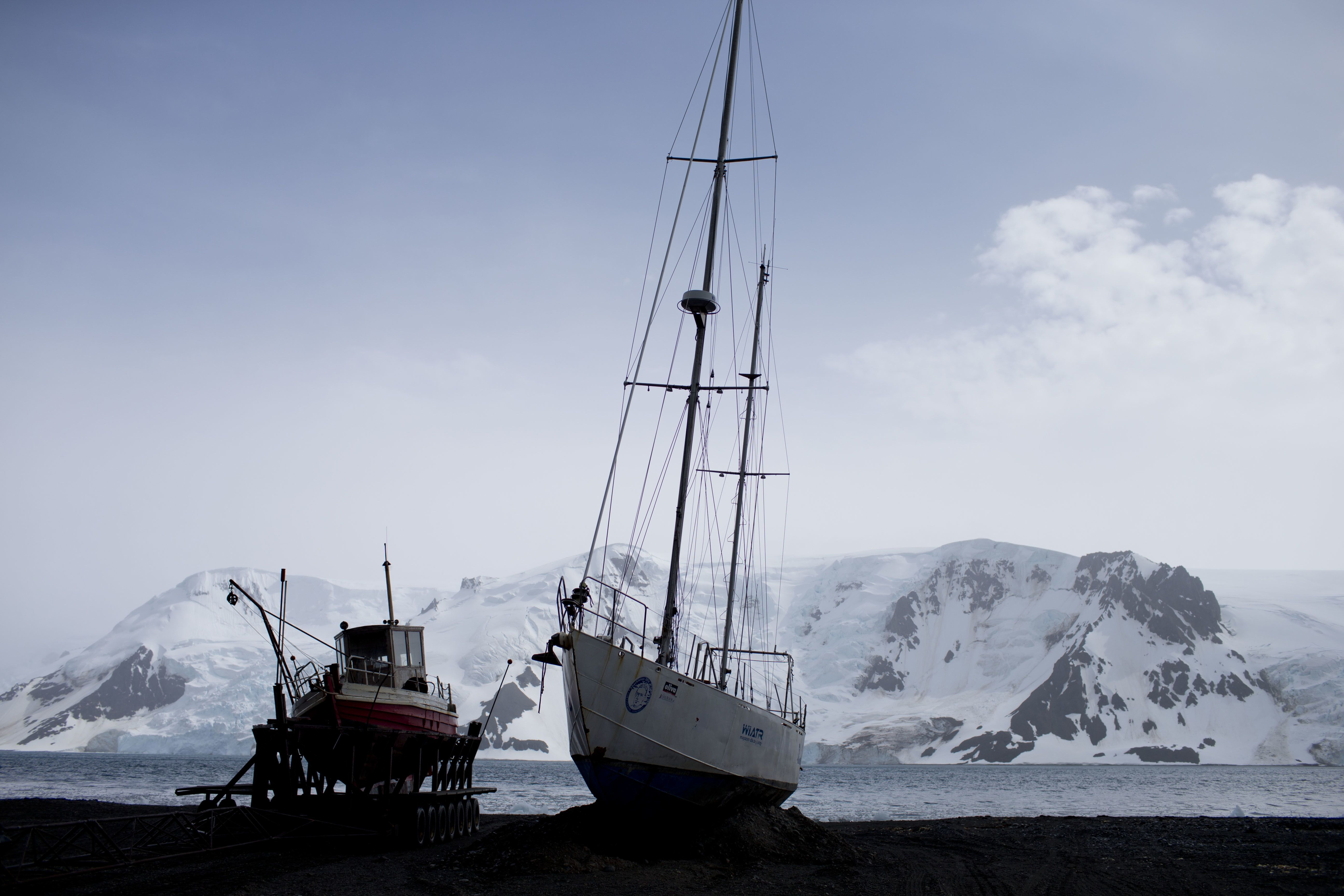 WELLINGTON, New Zealand (AP) — The countries that decide the fate of Antarctica reached an historic agreement on Friday to create the world's largest marine protected area in the ocean next to the frozen continent.
