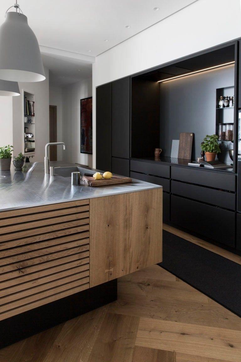 Cuisine Moderne Noir Et Bois Parquet A Lames Extra Large A Baton