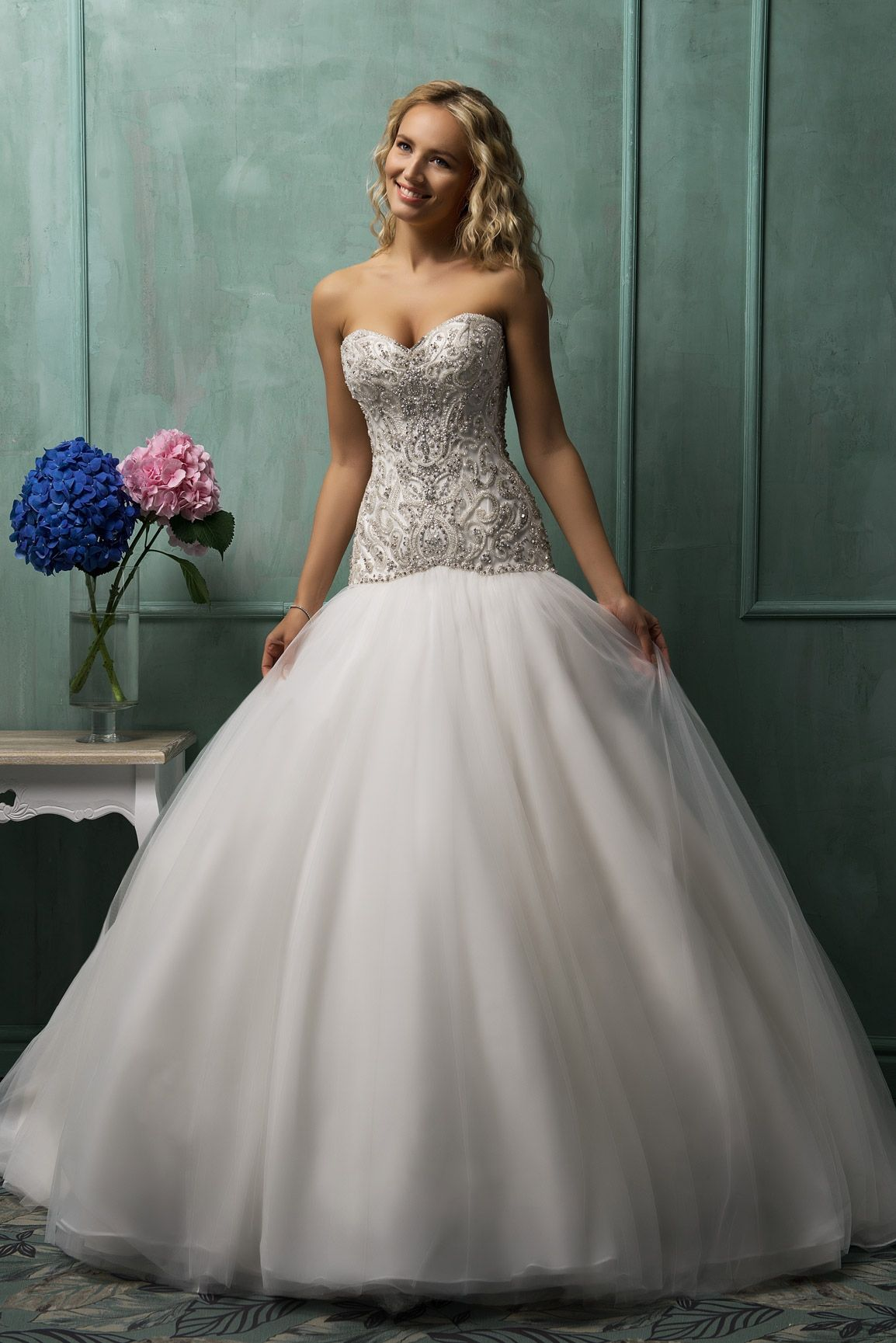 The charming and romantic Aline strapless sweetheart neck