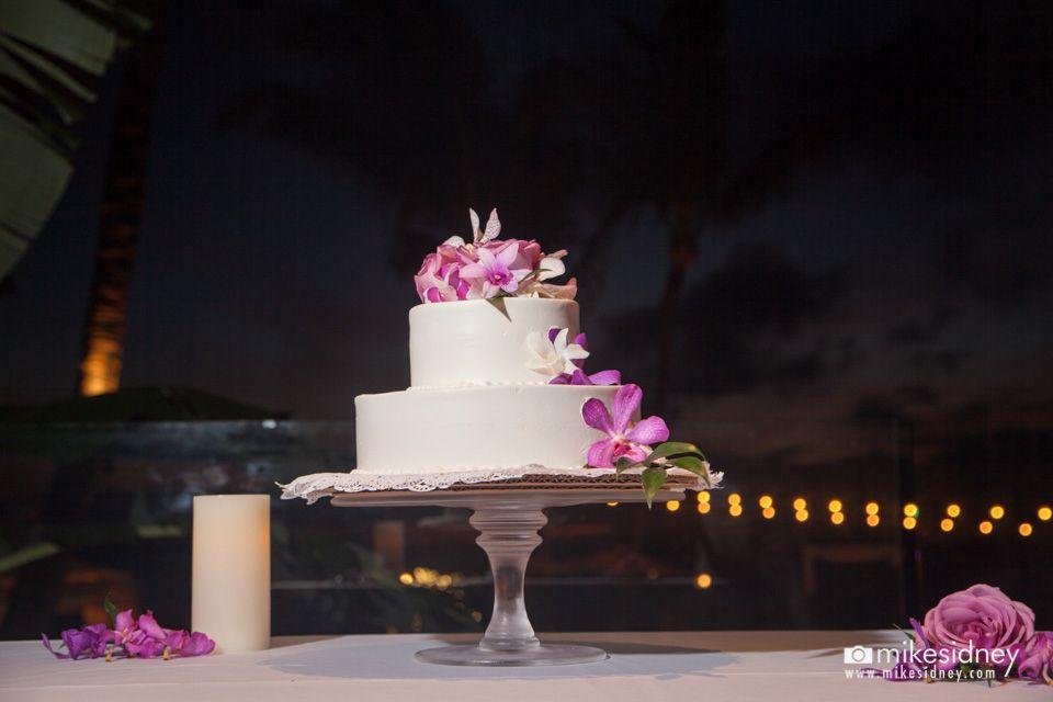 Lovely Maui Wedding Cake At Merriman S Kapalua Www Mikesidney Weddings