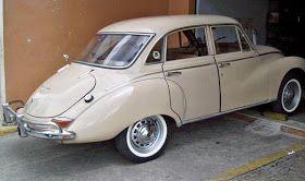 O nome         DKW apareceu em 1916 quando J.S. Rasmussen construiu um carro a vapor.         Daí o nome Dampf Kraft Wagen (DKW) ou Carr...