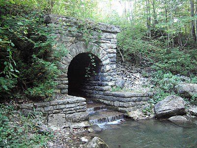 Bringly Gorge trail culvert by Russel Nelson.
