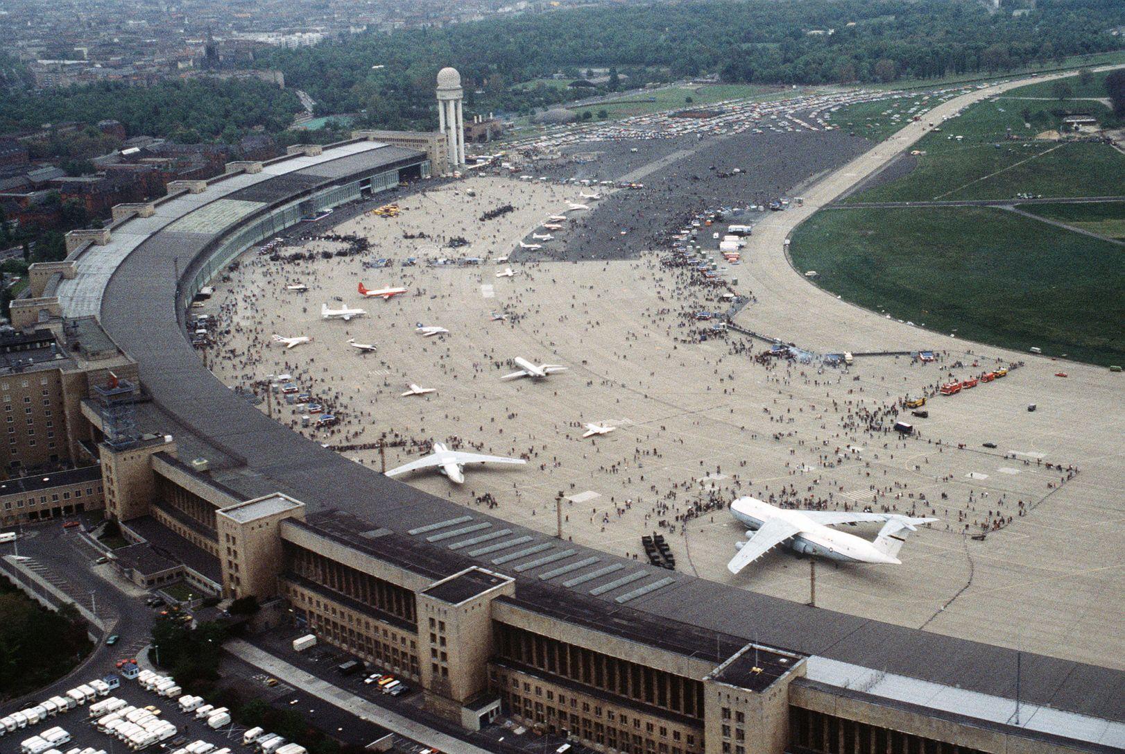 Flughafen Tempelhof 1984 Germany Berlin West Berlin