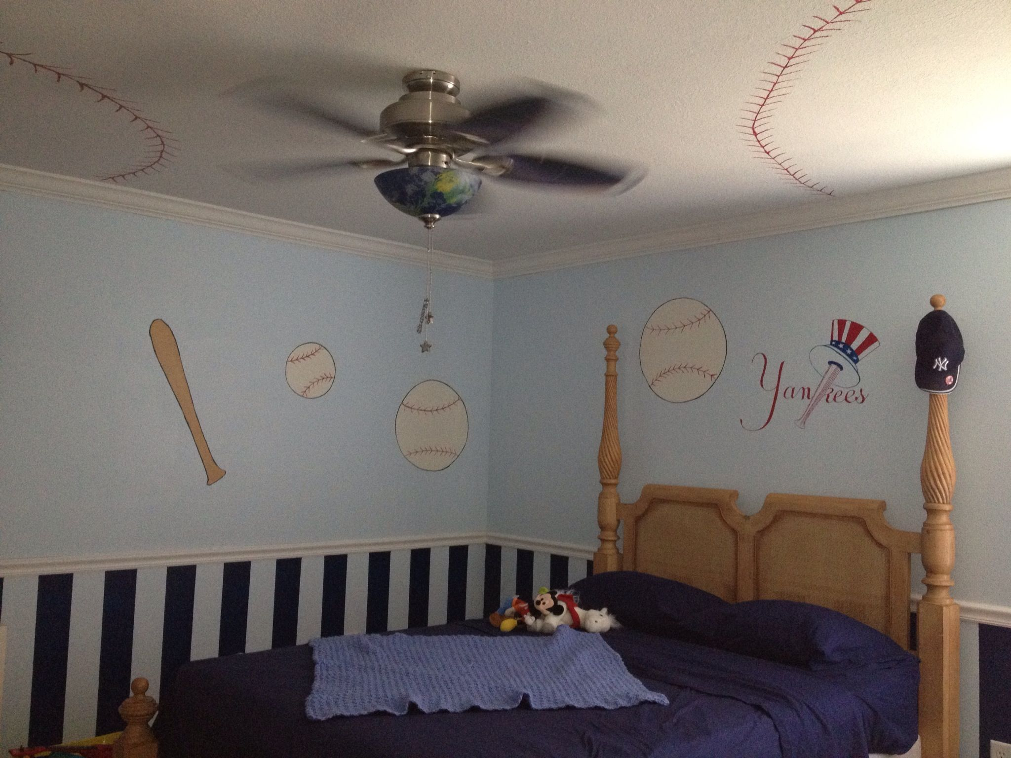 Kids baseball room  love the ceiling and they picked best team yankees also deco images on pinterest child bedroom boys rh