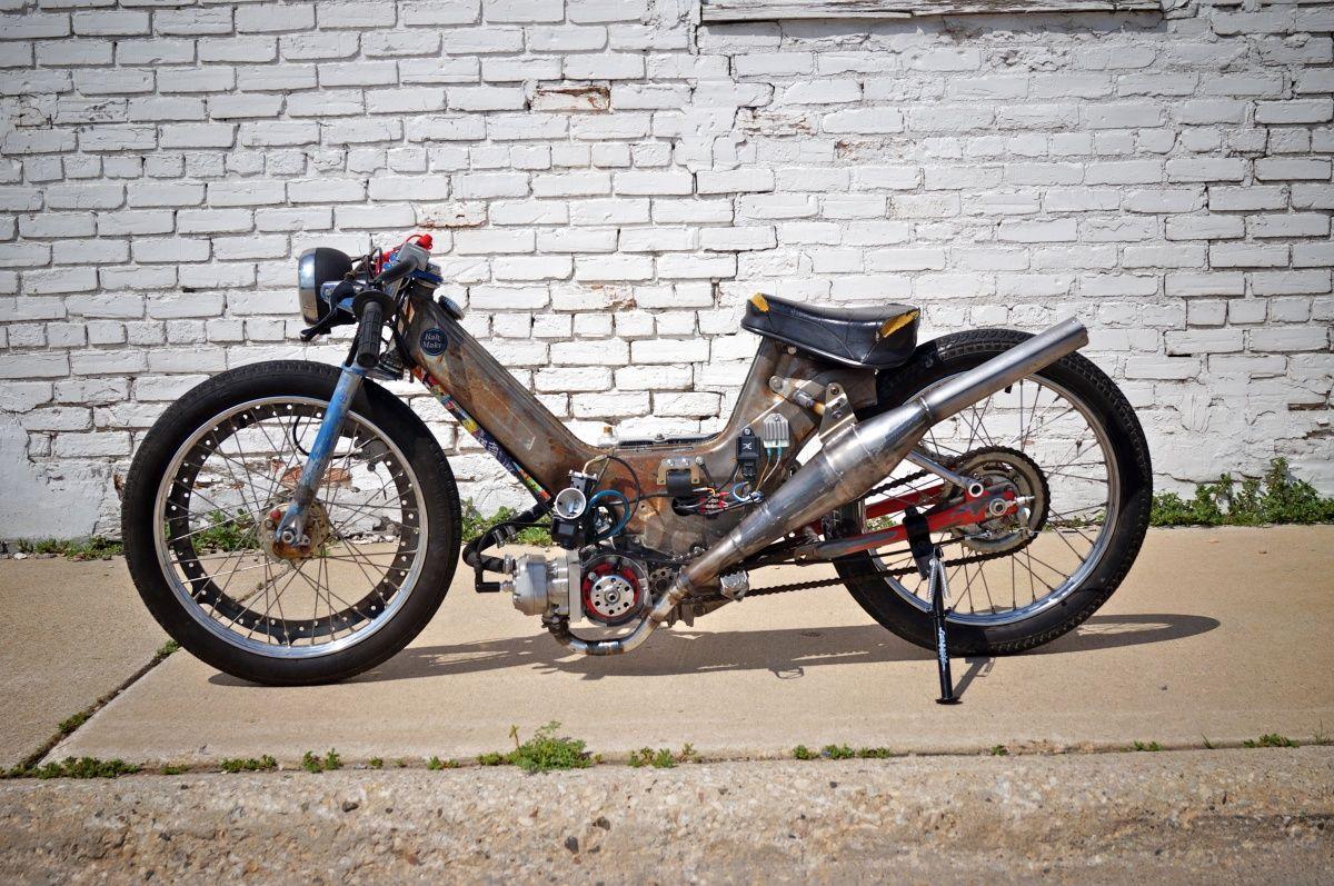 Bassmen Photo Custom Moped
