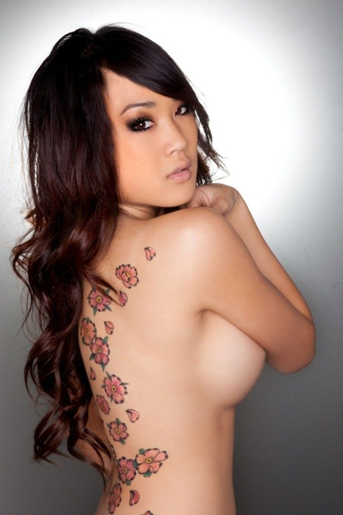 Girl japan breast tattoo — pic 11