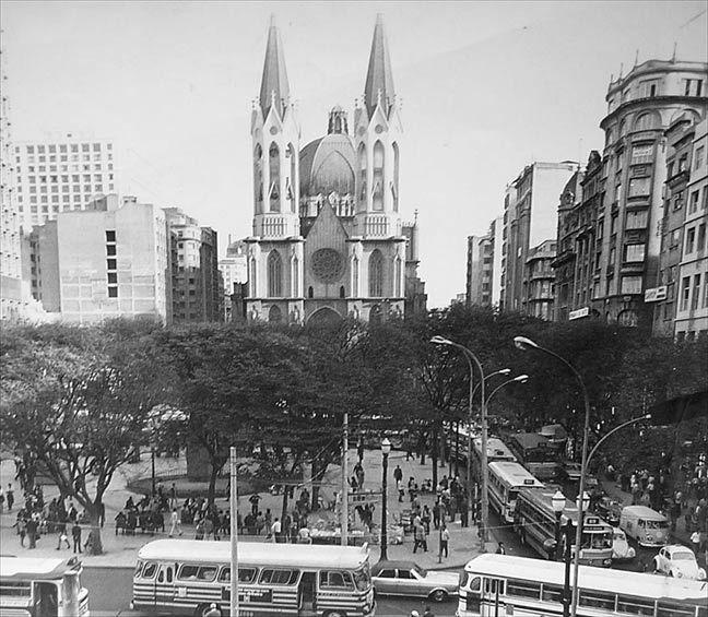 Praca Da Se Em 1969 Com Imagens Sao Paulo Lugares Famosos