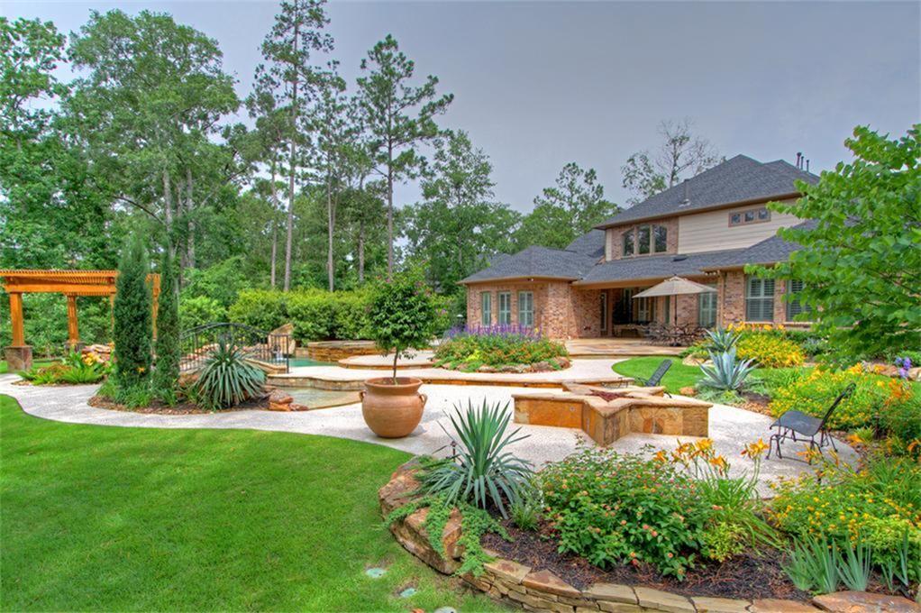 Texas Theme Back Yard Backyard Landscaping Backyard Garden Landscaping